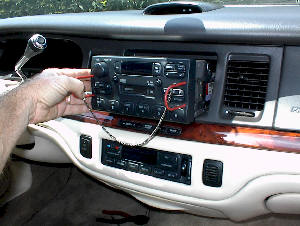 1995 Lincoln Town Car 2 stereo and speaker swap 1995 1997 lincoln town car 1997 lincoln town car radio wiring diagram at eliteediting.co