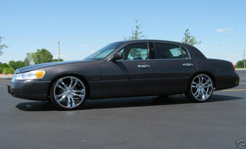 2000 Lincoln Town Car 22 Quot Rims Bagged Tv Dvd Fully
