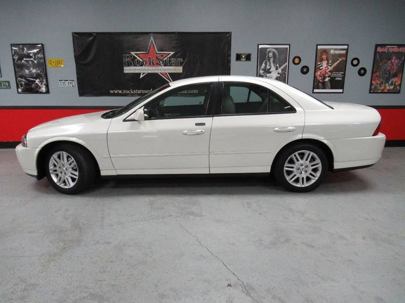 2004-V8-White-CA.jpg
