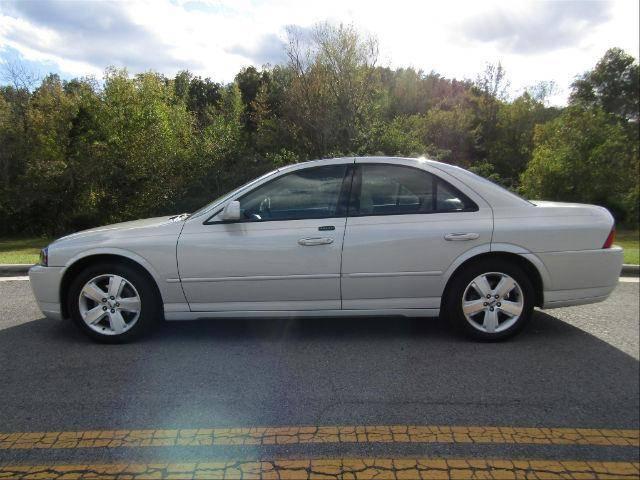 2006-White-V8-AL.jpg