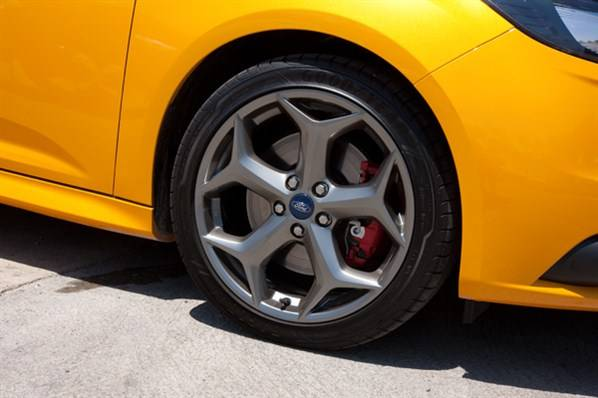 2013-focus-st-wheel.jpeg