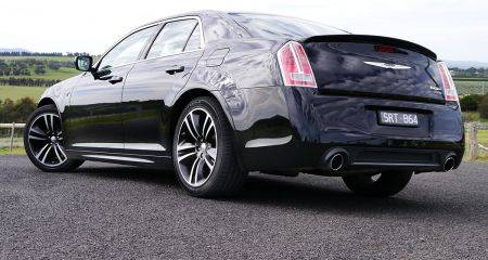 2013_chrysler_300_core_review_03-1006-450x240.jpg