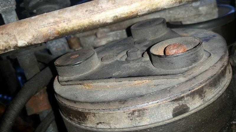 AC Compressor - up close.jpg
