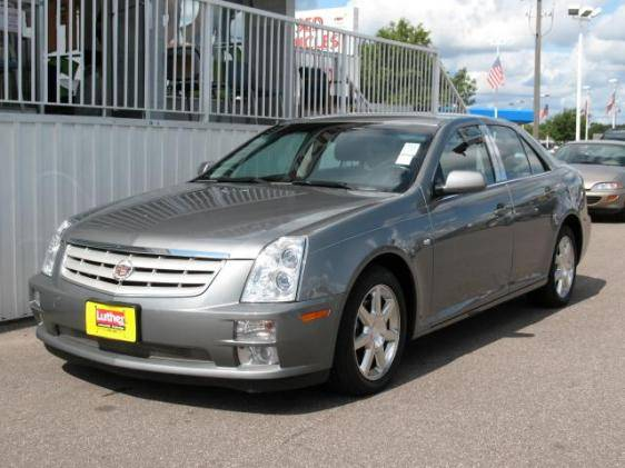 Considering buying a 2005 Cadillac STS V8    Who has one? | Lincoln
