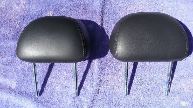 Headrest1_zpsh86kiupr.jpg