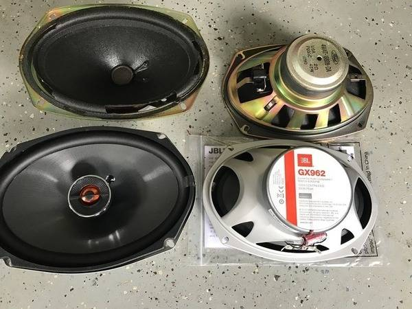 new%20and%20old%20speakers_zpspi44rz6p.jpg